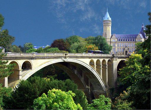 du lịch Luxembourg với thời tiết thật tuyệt vời